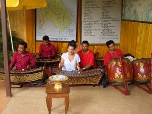 王宮音楽の演奏に観光客が参加できるサービス