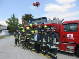 寄贈先、研修に参加するパイネ消防団隊員