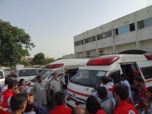 寄贈車両を実際に運用されていた救急救命士(福岡県宗像地区消防本部の荒巻さん)による、研修が始まりました。